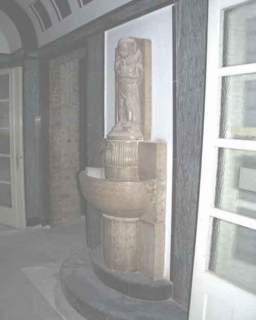 Brunnen aus Jura-Kalkstein