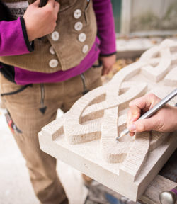Ein keltischer Fries aus Thüster Kalkstein